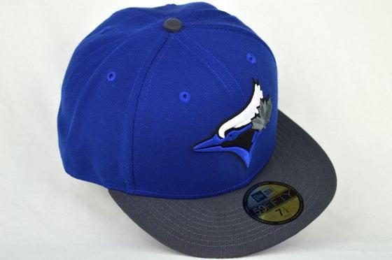Image of TORONTO BLUE JAYS CUSTOM ROY BLUE/GRY/WHT NEW ERA 5950 FITTED CAP
