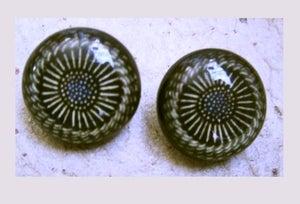 Image of Bouton graphisme fleur noire