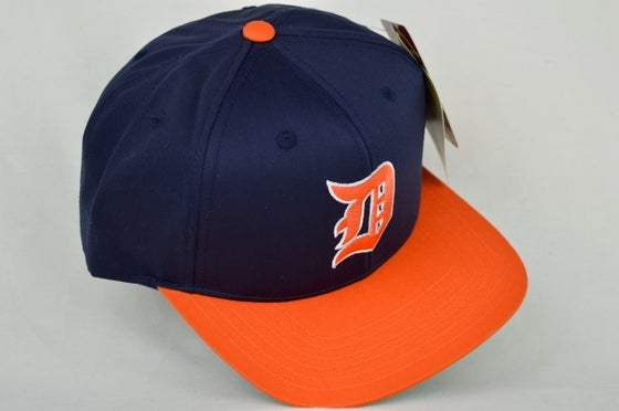 Image of DETROIT TIGERS NAVY BLUE/ORANGE AMERICAN NEEDLE SNAPBACK CAP