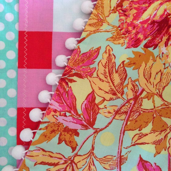 Image of Floral & Gingham Pillow Sham