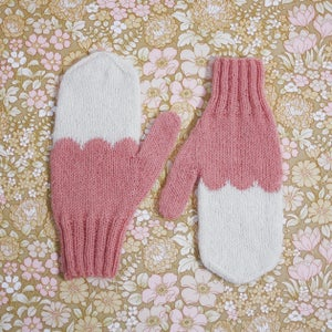 Image of Granliden Mittens: Cochineal/Pink