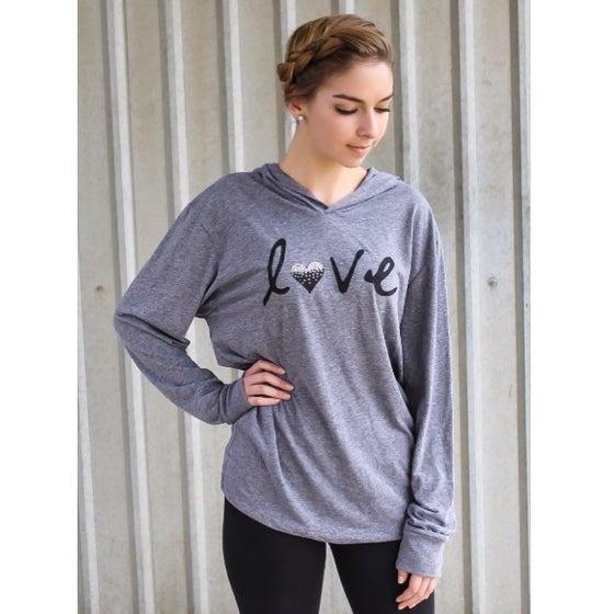 "Image of ""Love"" pullover with Swarovski Rhinestones - Gray"