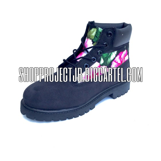 Image of Floral Print Timberland (BLACK)