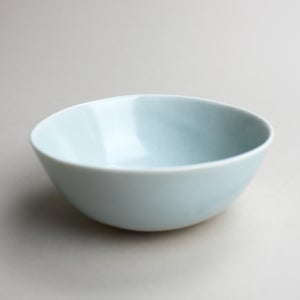 Image of roly poly bowl in ocean blue with elephant