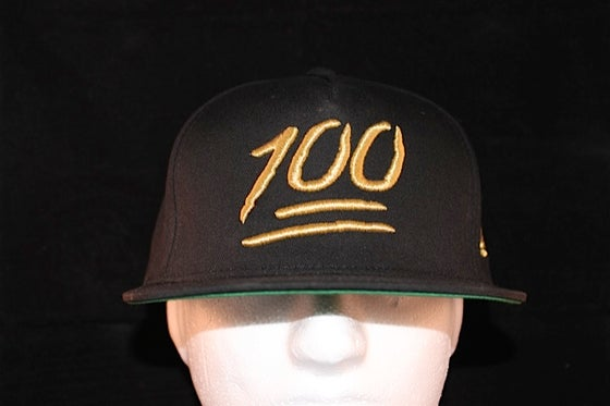 Image of 100 Snapback Black / Gold
