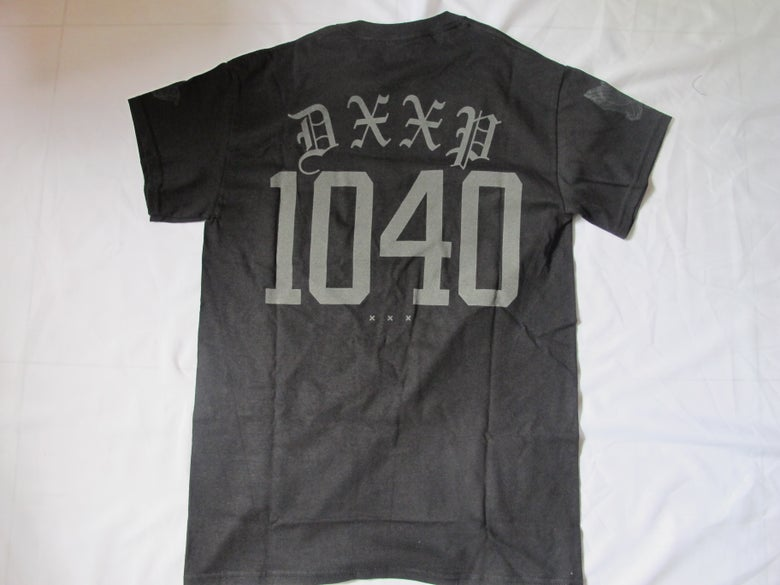 Image of 10 Deep x 40 oz NYC: 10-40 Tee (Black)