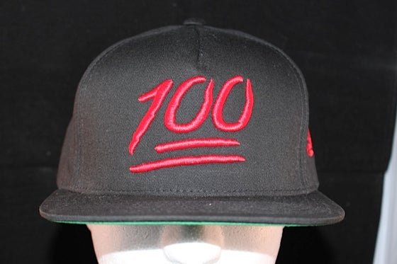 Image of 100 Snapback Black / Red