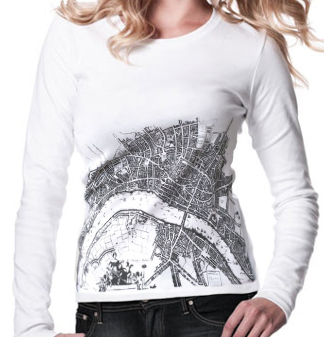 "Image of WOMEN'S LONG SLEEVED FITTED White T-SHIRT ""The River London Map"""