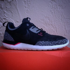Image of Black Cement Roshe