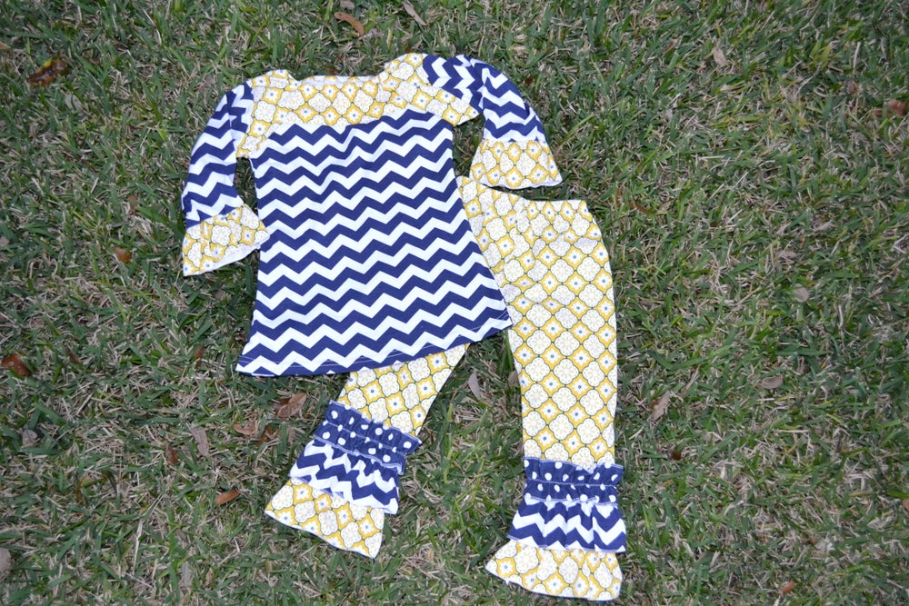 Image of Violet Top & Ruffle Pant Outfit