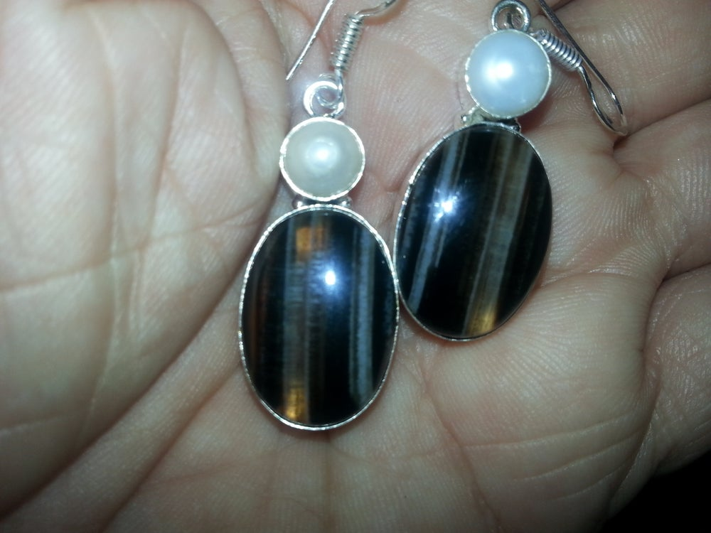 Image Of Unusual Earring With Genuine Agate Pearl