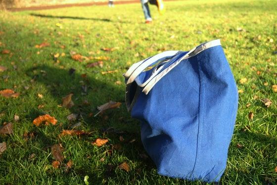 Image of large shopping bag