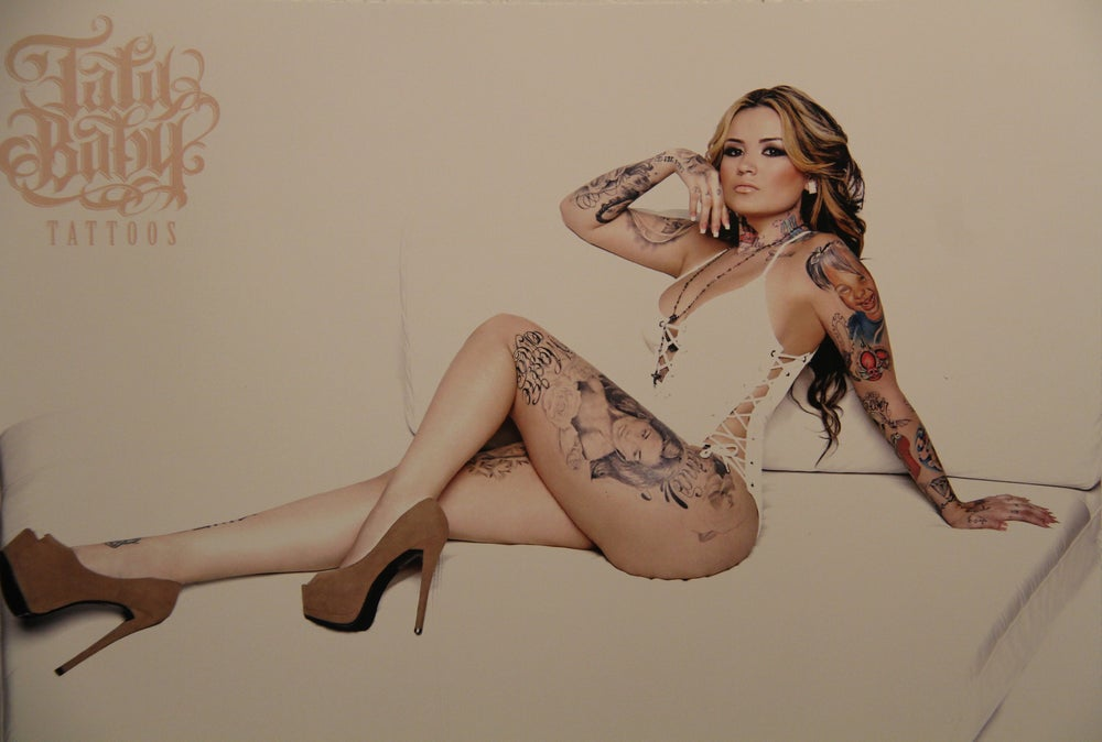 Image of TATU WHITE COUCH PRINT
