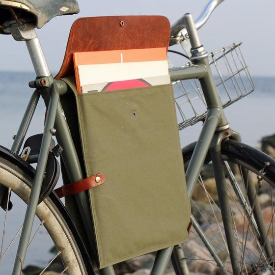 Image of Bicyclerecordbag#1