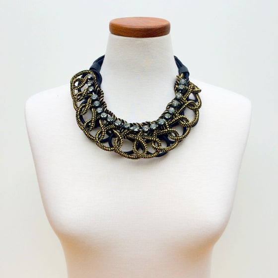 Image of Lovely Loop Metallic Necklace
