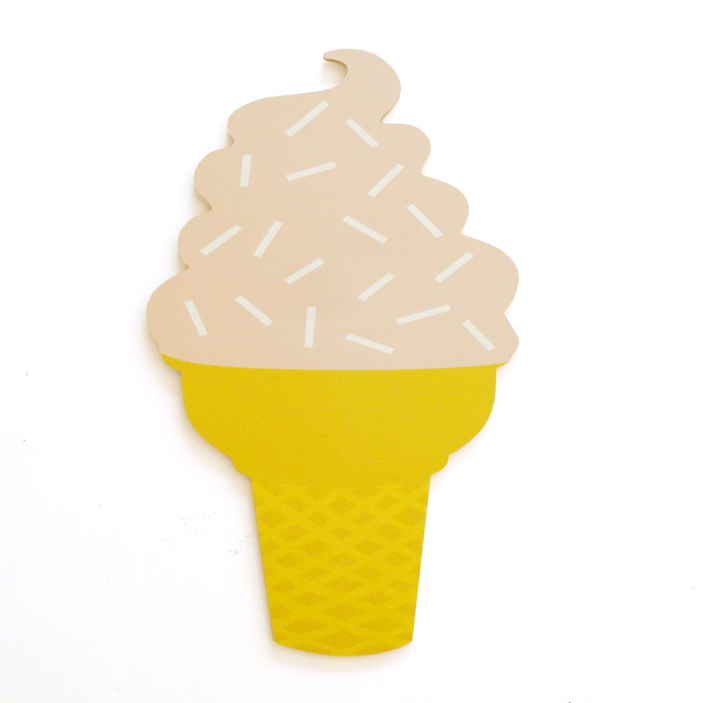 Image of ICECREAM PLY WALL HANGING (PEACH