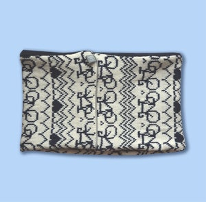 Image of Commuter Cowl - White and Navy