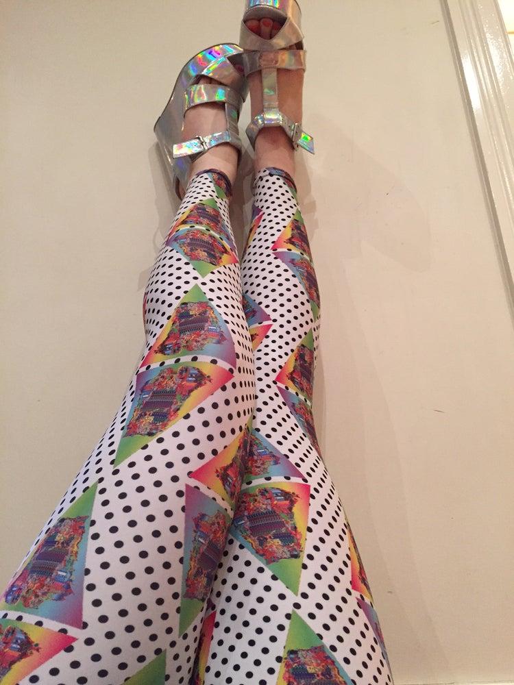 Image of 5 Different Designs of Leggings