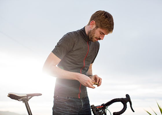 Image of MEN'S SHORT SLEEVE MERINO ALPINE JERSEY