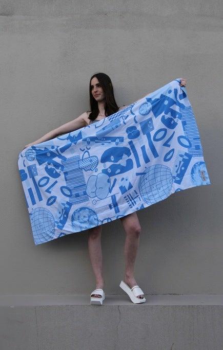 Image of Unity Blanket Towel - Bluescale