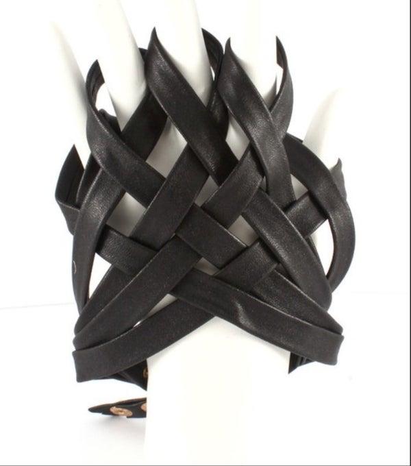 Image of Tangled Glove in Black