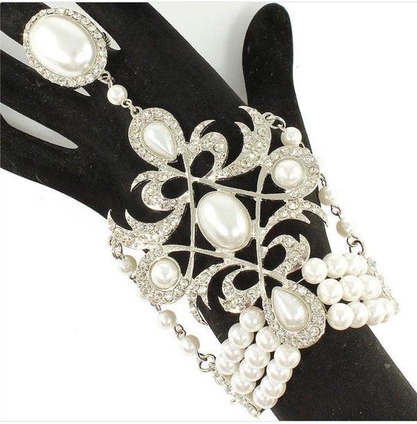 Image of Pearl Handchain