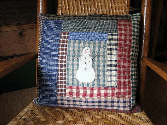 "Image of pillow cover -     18.5"" x 18.5"" - snowmen centered in a log cabin design, quilted reversible"