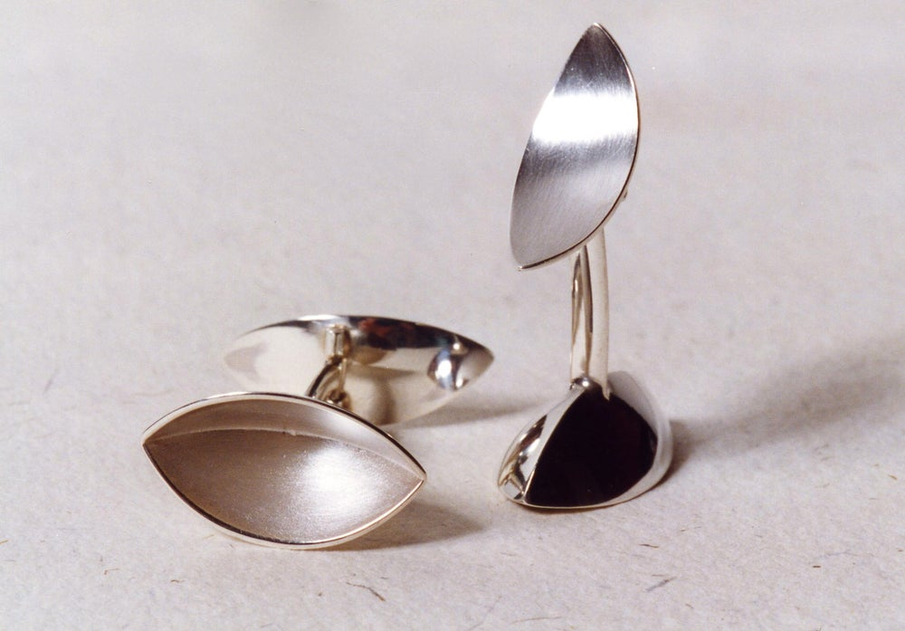 Image of cufflinks in silver
