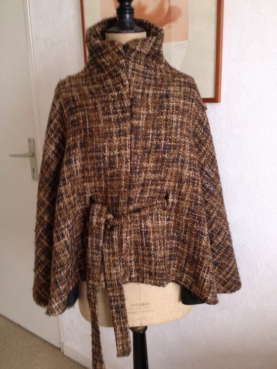 Image of Manteau cape en lainage tweedé