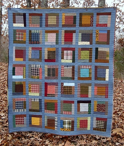 "Image of NAP SIZE - 68"" X 57"" - CHAMBRAY STAR, FRAMED SQUARE PIECED DESIGN - FARMHOUSE QUILT"