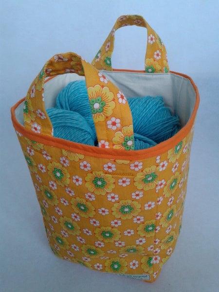 Image of 'Retro flowers' boxbag