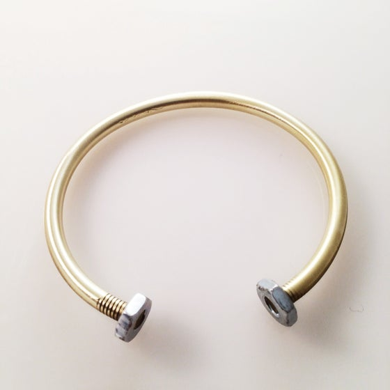 Image of the nut cuff