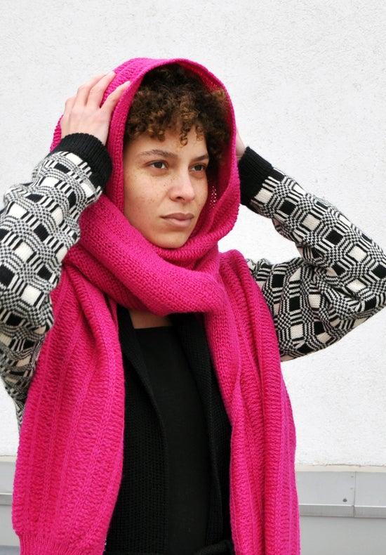 Image of Sleeve scarf fuchsia