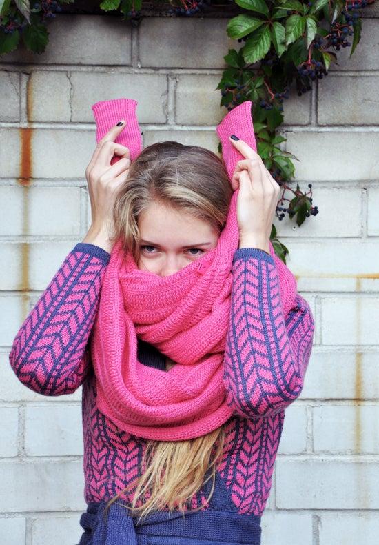 Image of Sleeve scarf medium pink