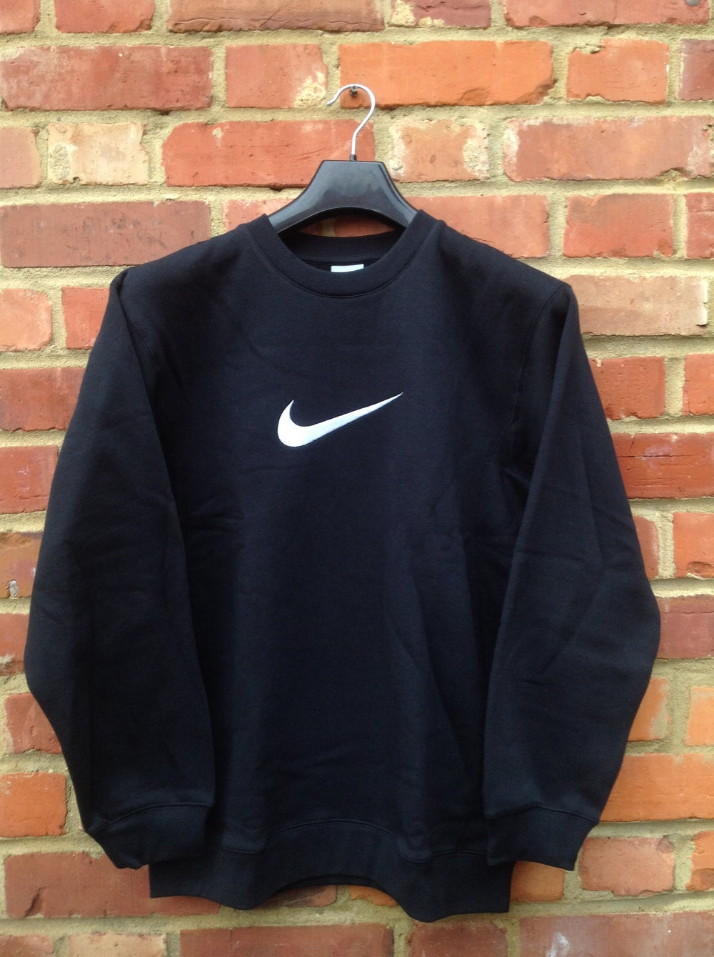 Image of RARE NEW BLACK VINTAGE NIKE SWEATSHIRT SIZE SMALL SIZE 8/10/12 PM