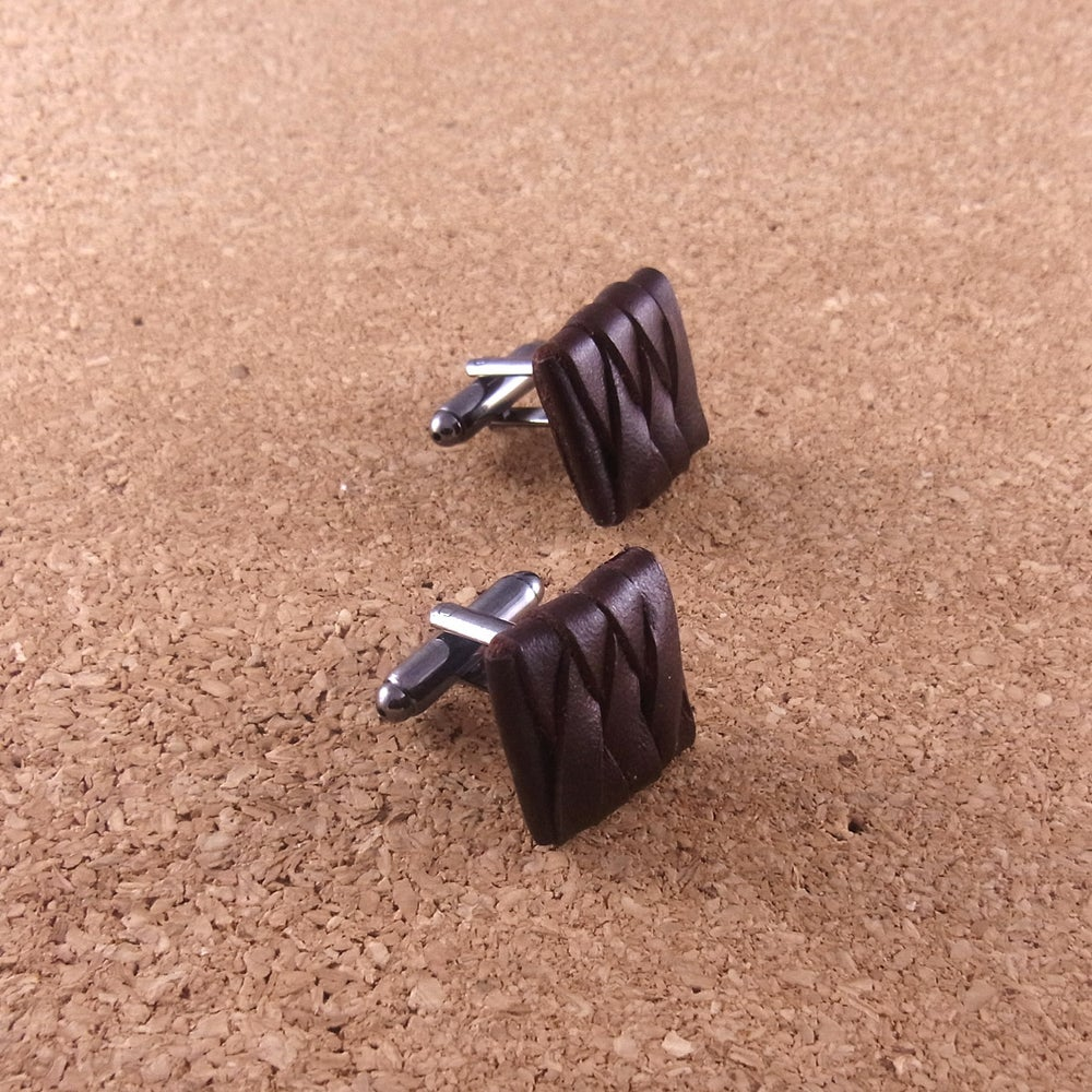 Image of Reign Cufflinks, dark brown