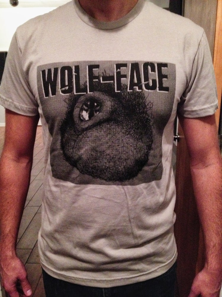 "Image of Wolf-face ""Man Peach"" T-shirt"