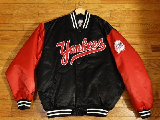 Image of (L) Deadstock Men's 90's New York Yankees Starter Diamond Collection Satin Jacket