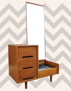 Image of MODERNIST OAK DRESSING TABLE BY JOHN & SYLVIA REID FOR STAG, CIRCA 1953.