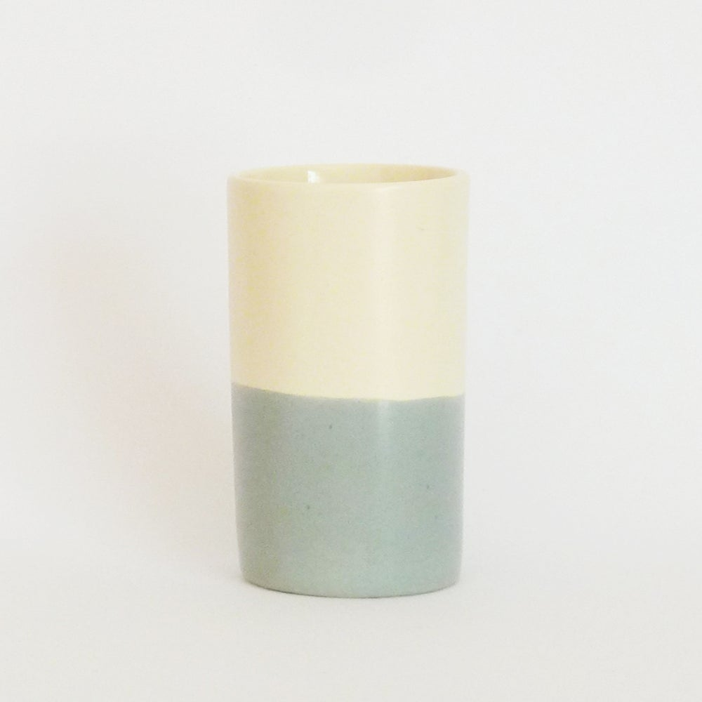 Image of GREY WASH BEAKER (SMALL)