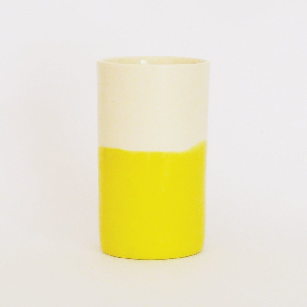 Image of YELLOW WASH BEAKER (SMALL)