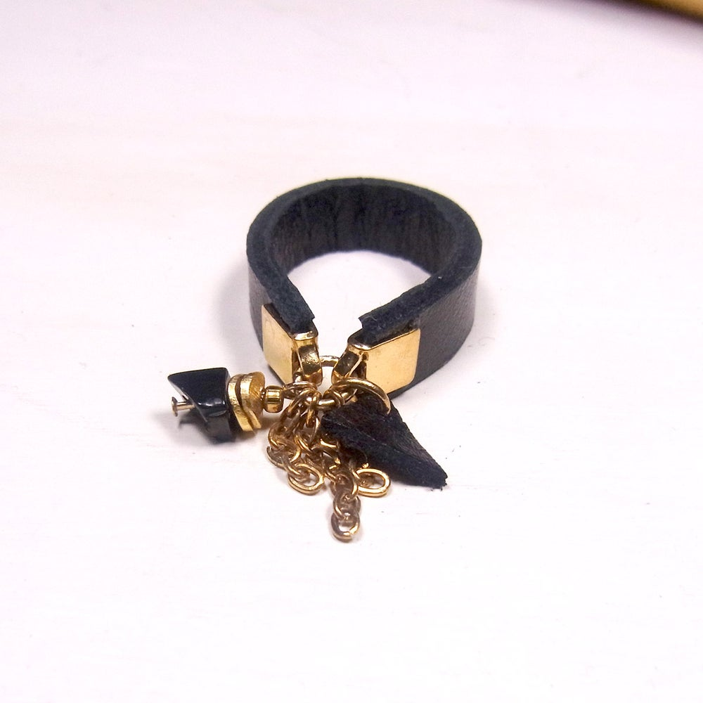 Image of Onyx and black hot chip ring  - slim band