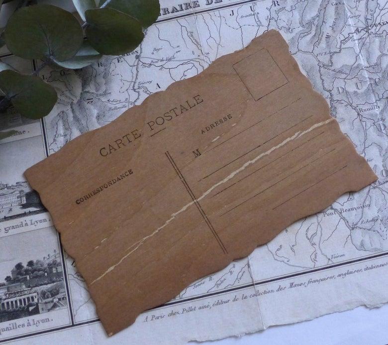 Image of Anciennes cartes postales en bois