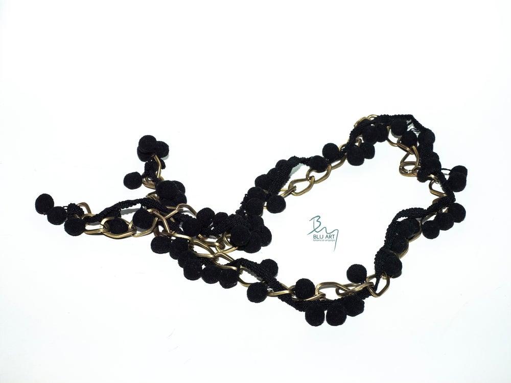 Image of collar Goyesca negro