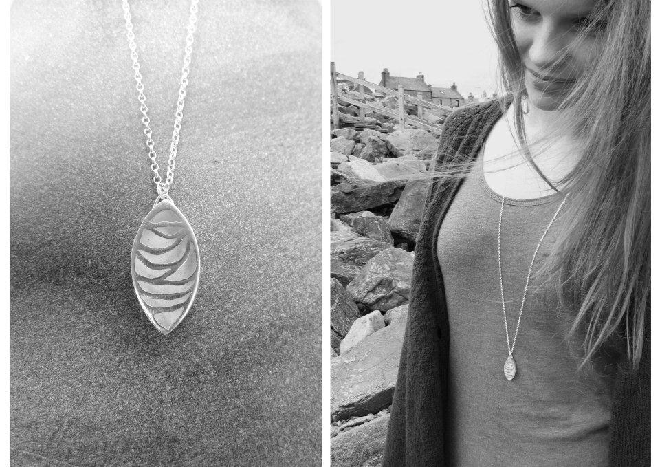 Image of Wave leaf necklace
