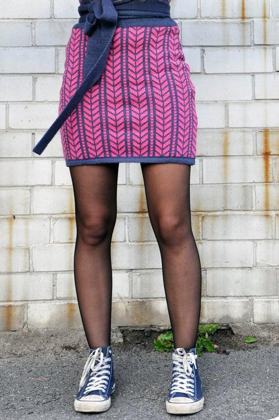 Image of Miniskirt dove