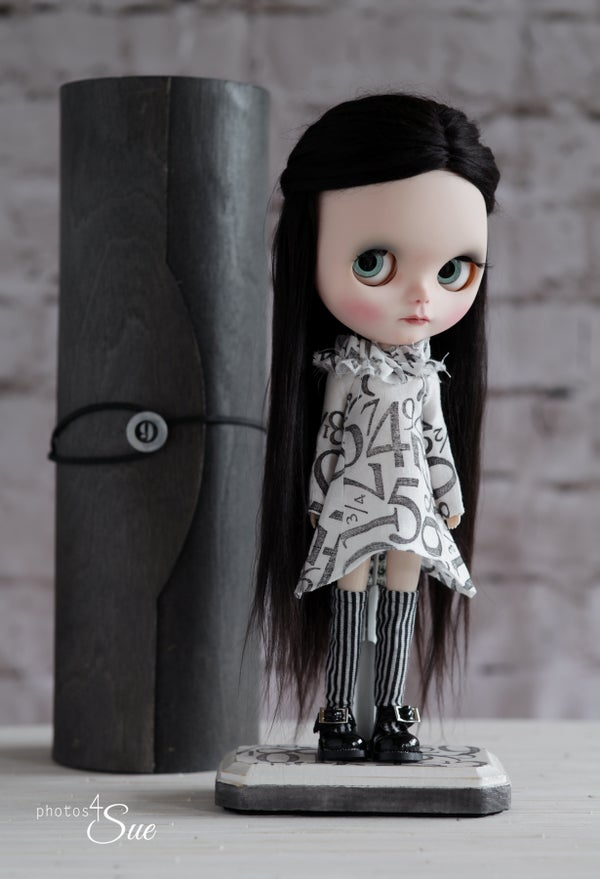 Image of OOAK Custom Blythe Doll by Photos4sue : A Date w/ Blythe Auction