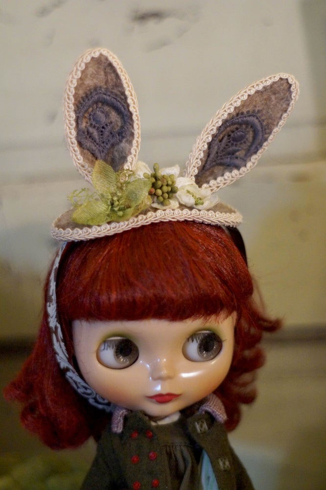 Image of Bunny Hat by Rhodora Jacob: Date w/ Blythe Auction