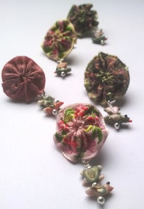 Image of Mini Rosette brooches with Lovebirds