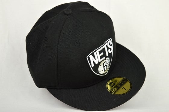 Image of BROOKLYN NETS BLACK & WHITE NEW ERA FITTED CAP